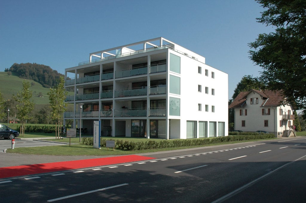 """Wohn- und Geschäftshaus """"Bergmelkenhaus"""" Gettnau"""